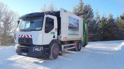 Photo camion dans la neige